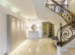 Das Treppenhaus gestalten – So verschönern Sie Ihren Treppenaufgang