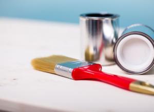 Fliesen streichen – Bringen Sie Farbe in Bad und Küche