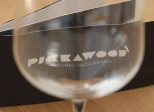 Erfahrungsbericht Pickawood.com – Holz-Esstisch Kapstadt