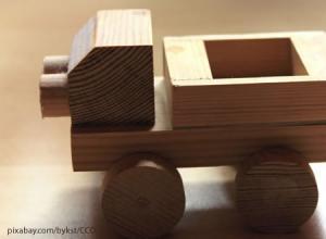 Holzspielzeug bringt Kinderaugen dauerhaft zum Strahlen!