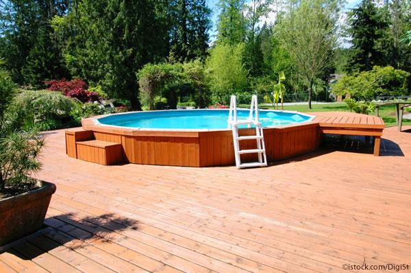 Wie der traum vom pool im eigenen garten wahr wird for Gartenpool eingelassen