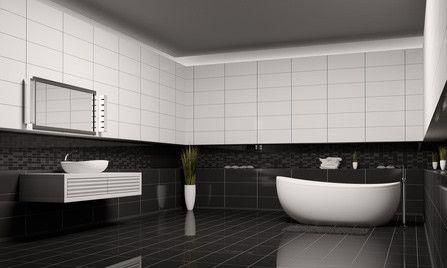 Ein Badezimmer in Schwarz-Weiß | {Bad design schwarz weiß 84}