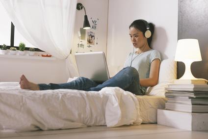 ein jugendzimmer einrichten. Black Bedroom Furniture Sets. Home Design Ideas