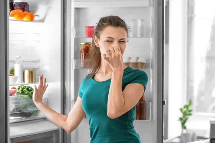 Unangenehme Gerüche in der Wohnung beseitigen: Tipps und Tricks